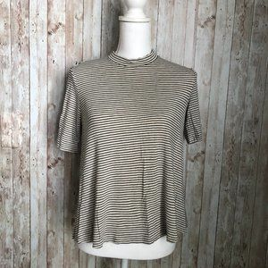 American Eagle Soft & Sexy Cut Out Tee Size Small